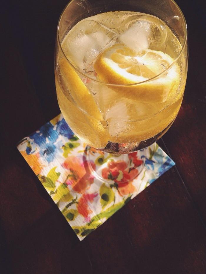 My 4th of July bevvy of choice. 3/4 Sauvy B, 1/4 soda, lemon slices.