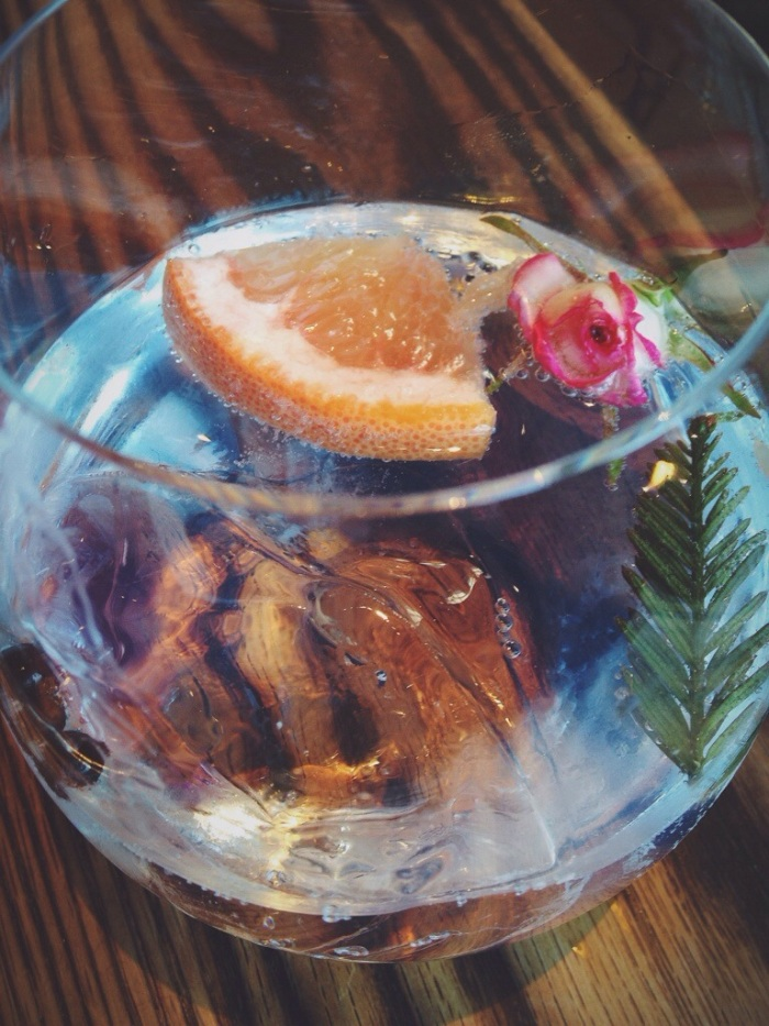 They specialize in Gin and Tonics, so even though I don't like G&T I got one to try, well guess what? I now LOVE G&T, this was the most beautiful drink I have ever had (the picture doesn't do it justice). Hello, look at the sprig of pine, rose, cloves and grapefruit. It was incredible.
