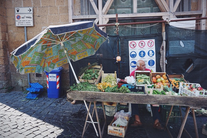 Hitting up the weekly market in the piazza del popolo