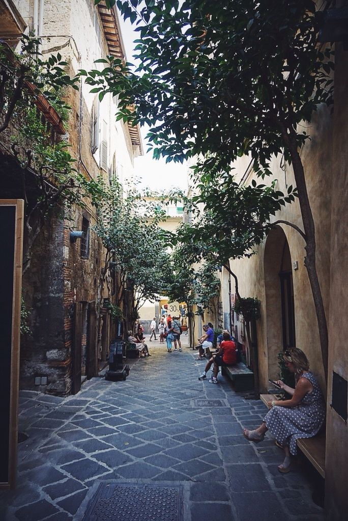 The most charming streets you ever did see